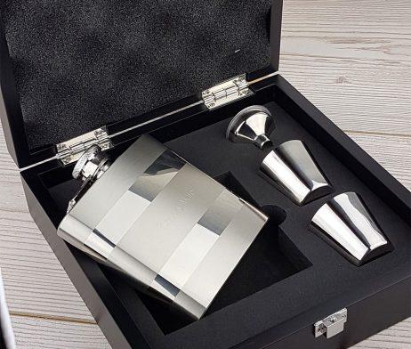 Contrasting Engraved Hip Flask Presentation Set with Free Engraving
