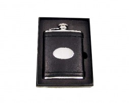 Personalised hip flask made of superior leather. Popular 6oz black leather hip flask with engraving plaque including leather hip flask gift box. Free Engraving!