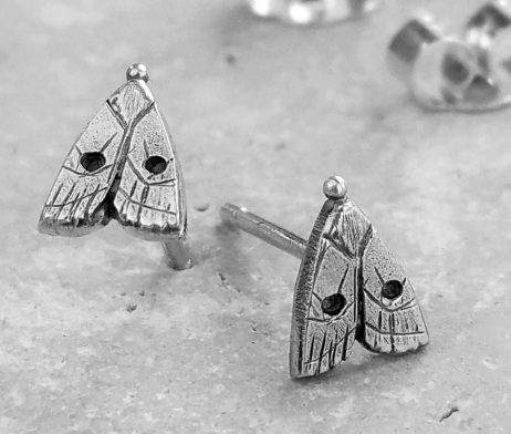 Anna's Delightful Silver Moth Stud Earrings - dl_adv102