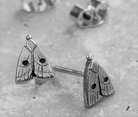 Anna's Delightful Silver Moth Stud Earrings - dl_adv102