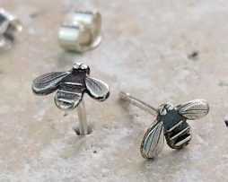 Anna's Silver Bumble Bee Stud Earrings - dl_adv95