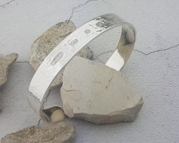 Hammered_Textured_Mens_Bracelet_Model